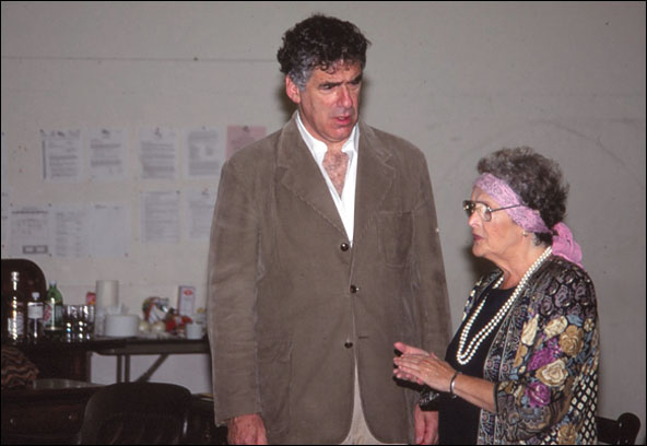 Elliott Gould and Marilyn Cooper in rehearsal for Deathtrap
