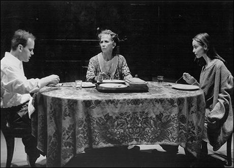 Zeljko Ivanek, Julie Harris and Calista Flockhart in The Glass Menagerie, 1994