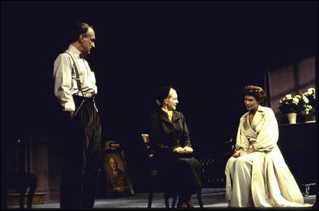 Jeffrey DeMunn, Laura Linney and Kelly McGillis in Hedda Gabler, 1994
