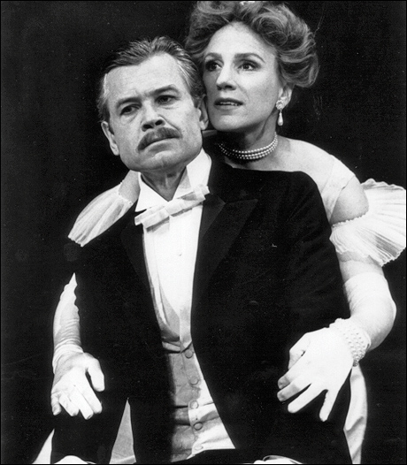David Yelland and Penny Downie in the 1996 Broadway revival of An Ideal Husband.