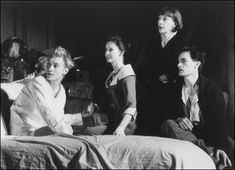 Jude Law, Cynthia Nixon, Eileen Atkins and Roger Rees in Broadway's Indiscretions, 1995