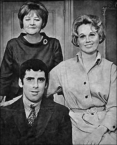 Ruth White, Elliott Gould and Barbara Cook in Little Murders
