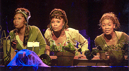 Carla J. Hargrove as Ronnette, DeQuina Moore as Chiffon
