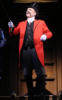 Jefferson Mays in <i>A Gentleman&#39;s Guide to Love and Murder</i>