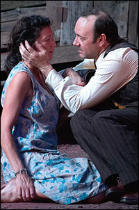 Eve Best and Kevin Spacey in <I>Moon for the Misbegotten</i>