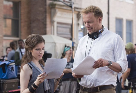 Anna Kendrick and Jason Moore on set