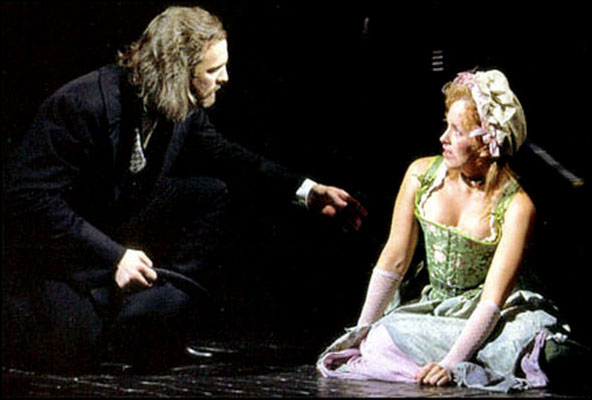 Fred Inkley and Alice Ripley in the Broadway musical Les Misérables, 1998.