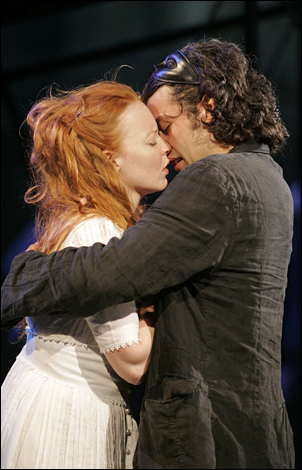 Lauren Ambrose and Oscar Isaac in Romeo and Juliet, 2007