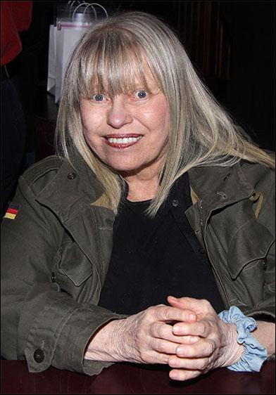 Louise Lasser