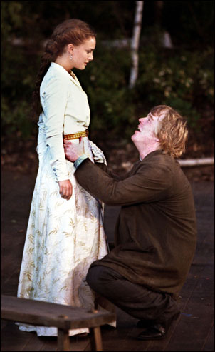 Natalie Portman and Philip Seymour Hoffman in The Seagull, 2001