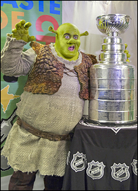<I>Shrek</i> star Eric Petersen with the Stanley Cup, which currently resides in Chicago