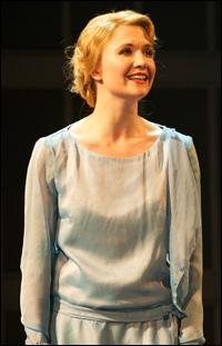 Scarlett Strallen in <i>Singin' in the Rain</i>.