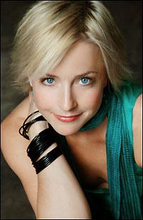 Nikki Snelson