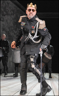 Kevin Spacey in <i>Richard III</i>.