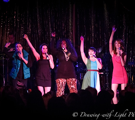 "Anne Brummel, Lesley McKinnell, Brandi Chavonne Massey, Natalie Daradich and Lesley McKinnell sing ""Do It"""
