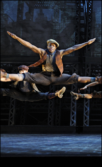 Ephraim Sykes dances in <i>Newsies</i>.