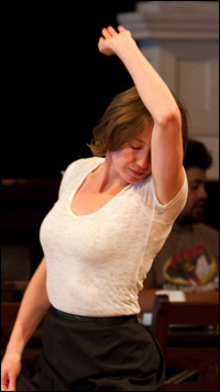 Carrie Coon in rehearsal