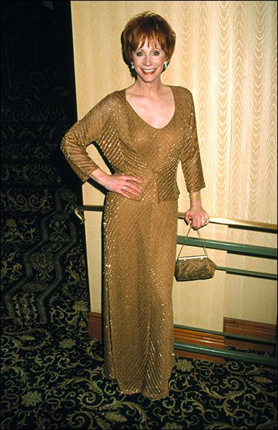 Reba McEntire wearing Carmen Marc Valvo at the 2001 Tony Ball