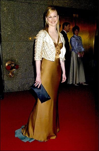 Laura Linney at the 2004 Tony Awards