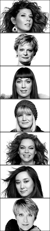 <I>Top Girls</I>' girls: Marisa Tomei, Martha Plimpton, Elizabeth Marvel, Mary Catherine Garrison, Ana Reeder, Jennifer Ikeda and Mary Beth Hurt.