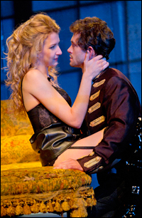 Nina Arianda and Hugh Dancy in <i>Venus in Fur</i>.